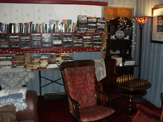 The Sugartree Inn: There is an excellent selection of books, chess and a fine collection of DVDs. Each room is prov