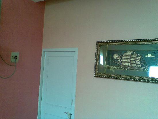 Balaji Guest House : Wall