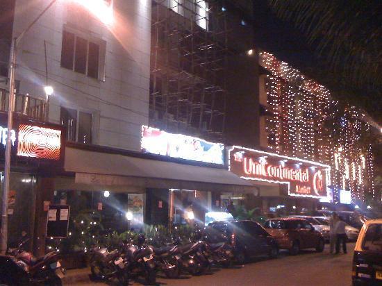 Hotel Unicontinental Mumbai: facade