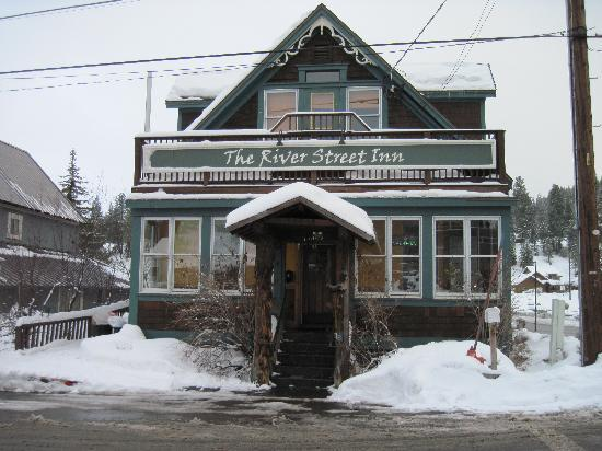 Truckee, CA: Outside the Inn