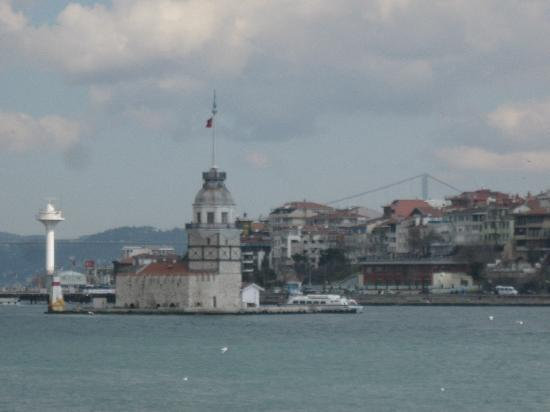 Daily Istanbul Tours: Bosphorus Cruise and the Maiden Tower