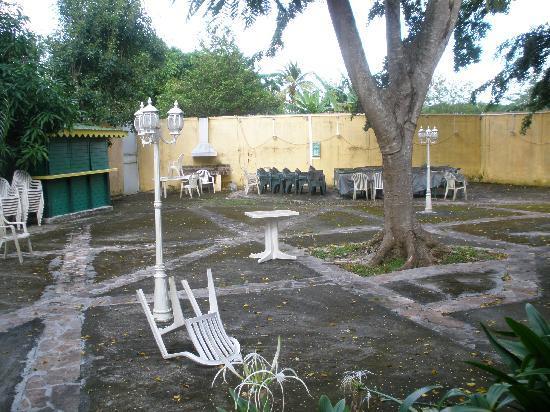 La Maison Creole : La cour