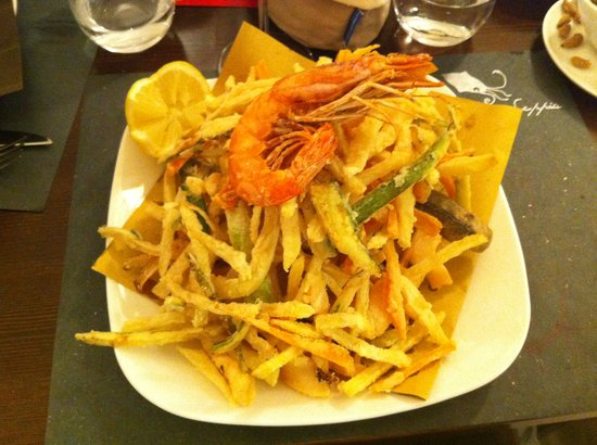 Nero di Seppia: fritto misto with veggies in tempura!