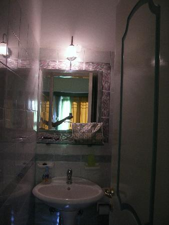 Dionysis Studios: bathroom_1