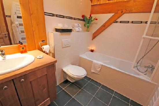 Cairn Lodge : Ensuite Bathroom