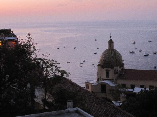 Hotel Savoia: view from our window - dusk