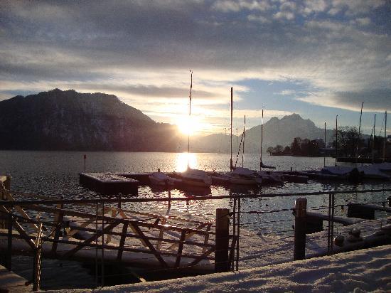 Post Hotel Weggis: Wir sind am See spatziern gegangen.