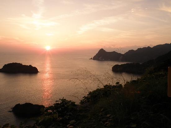 Minamiizu-cho, ญี่ปุ่น: 妻良港付近からの夕陽