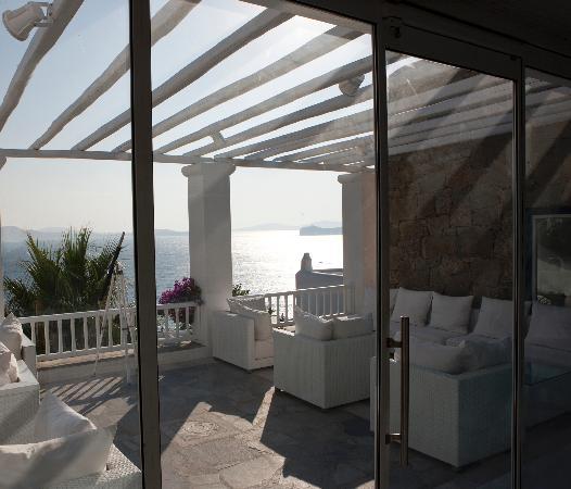 Mykonos Grand Hotel & Resort: Terrace