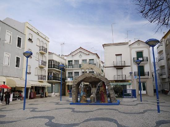 Nazare, Portugal: 中心地の広場