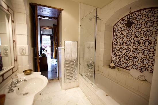 Beit Zafran Hotel de Charme: Bathroom