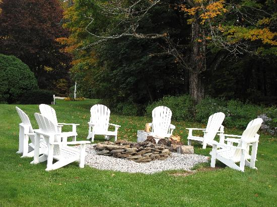 Christmas Farm Inn & Spa: Firepit - family favorite