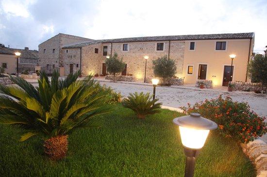 Artemisia Resort: Esterno hotel