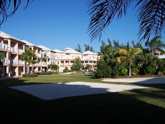 Island Seas Resort: Outside