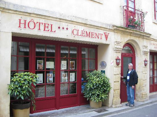 Hotel le Clement V: The entrance