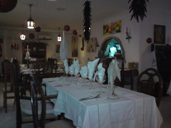 Minanas: Lovely Table Setting