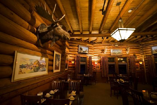 Num-Ti-Jah Lodge: Elk-Horn Dining Room