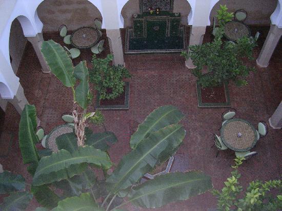 riad massaoud - corte interna -