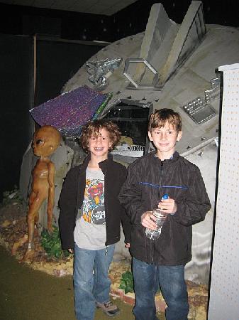 Alien Zone Area 51: best place for alien photos: alien zone