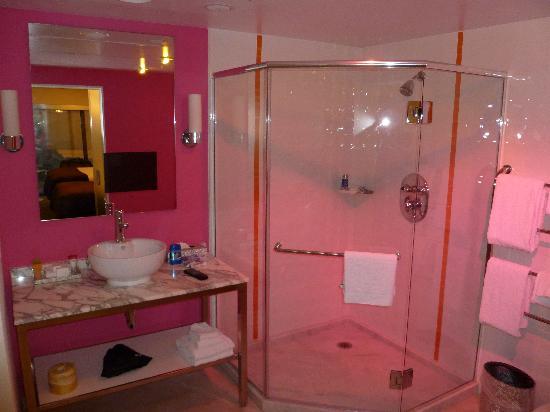 go room at the flamingo picture of flamingo las vegas hotel casino las vegas tripadvisor. Black Bedroom Furniture Sets. Home Design Ideas