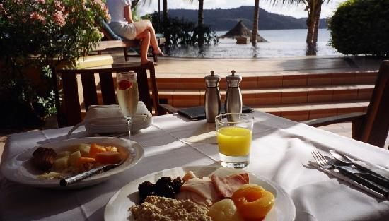 Beach Club: Breakfast anyone?