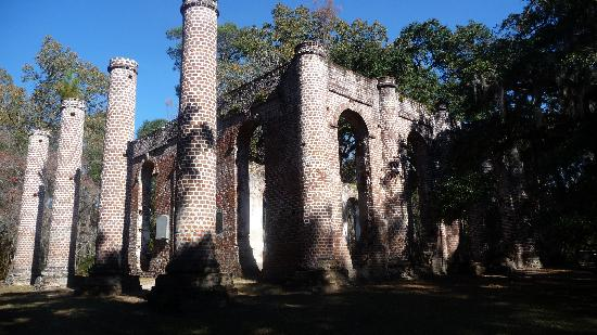 Hilton Garden Inn Beaufort: Nearby Old Sheldon Ruins (20 mins north), burnt twice, first by the British and then by Sherman'