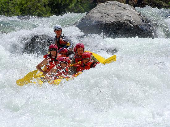 O.A.R.S. California Rafting - Day Tours: Western Sierra whitewater