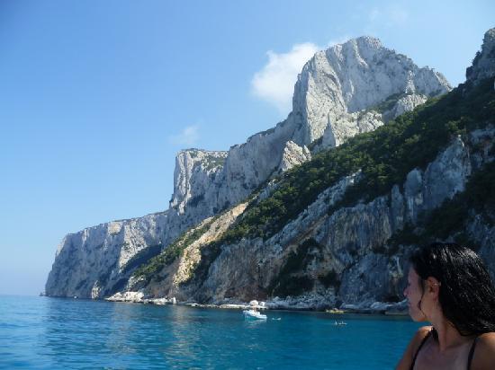 Tortoli, İtalya: le scogliere e le grotte, da non perdere, in gommone o facendo trekking
