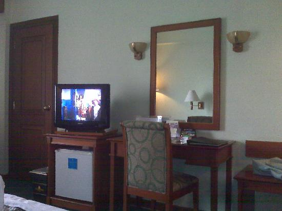 The Sunan Hotel Solo : TV set