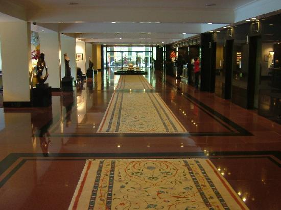 The Oberoi: Hotel lobby