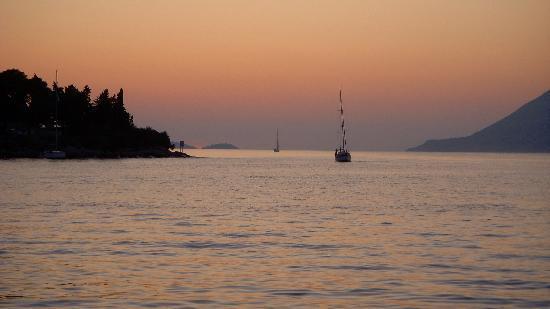 Korcula Waterfront Accommodation: The Sunset