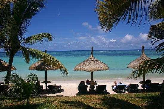 Trou aux Biches Beachcomber Golf Resort & Spa: The beach in front of my room