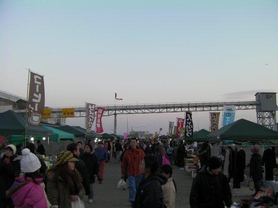 ฮะชิโนะเฮะ, ญี่ปุ่น: 八戸湊朝市の様子
