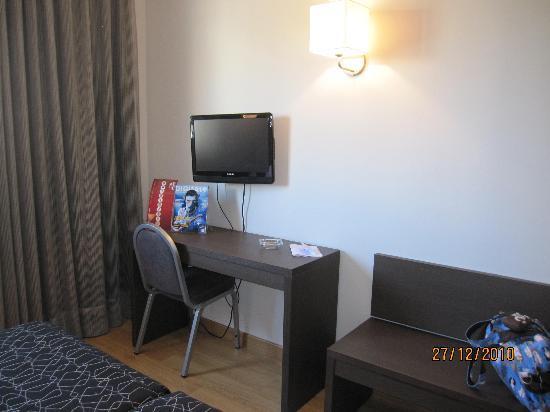 Hotel Cisneros: Habitación