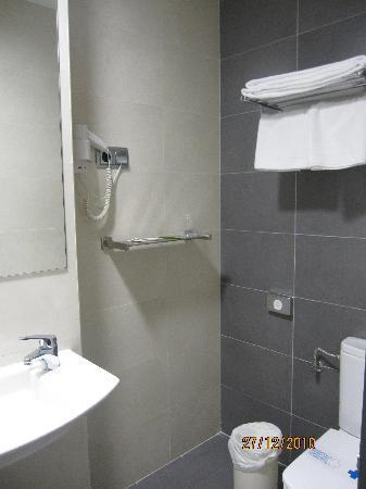 Hotel Cisneros: baño