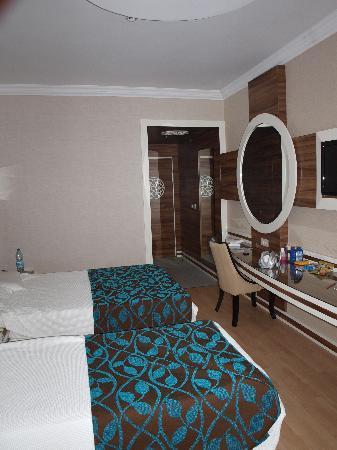 Grand Zaman Beach Hotel: room