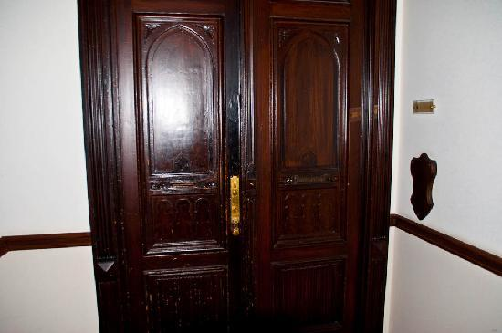Hotel Vivaldi Berlin: The door to rooms area