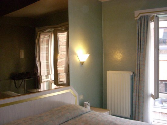 Hotel Chantecler : stanza