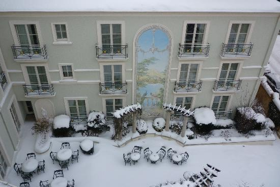 Hotel am Jägertor: Verschneiter Innehof im Dezmber 2010