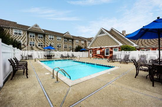 Residence Inn Boston Foxborough: Outdoor Pool