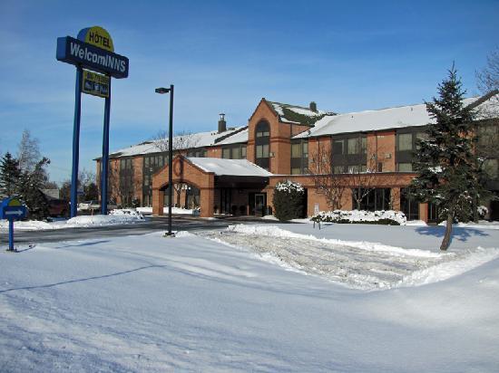 Welcominns : Hotel just next to Highway 20