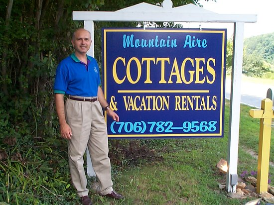 Mountain Aire Cottages & Inn: Frank Welcomes You to The Mountain Aire!