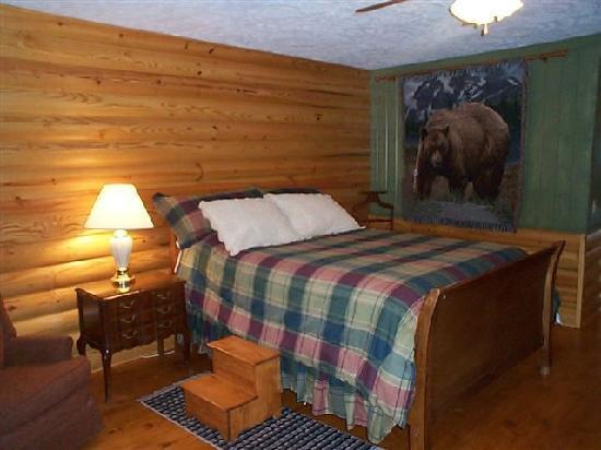 The Mountain Lodge Room