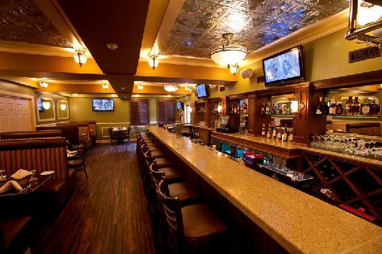 Main Street Grille: Jimmy's Bar