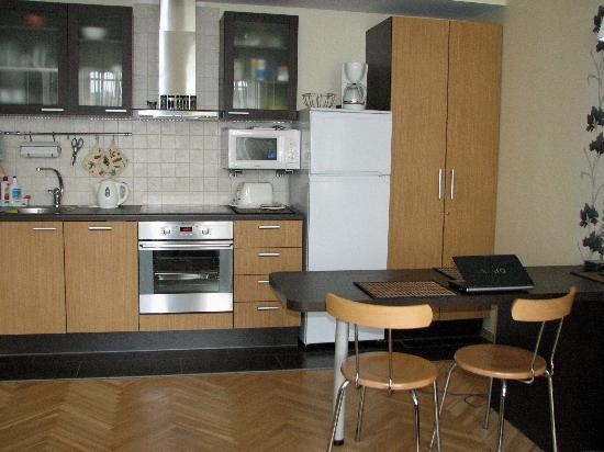 Classic Apartments : Kitchenette part of great room