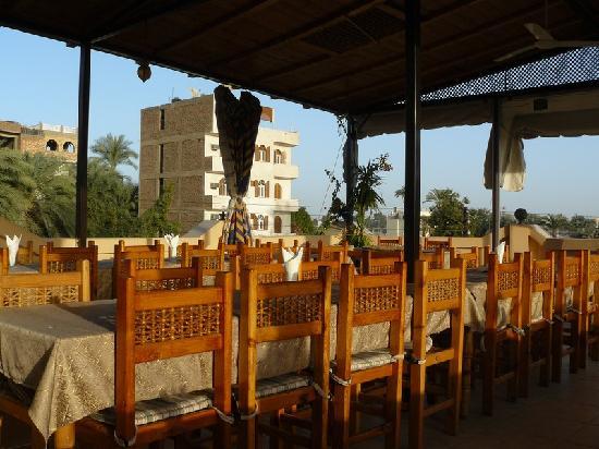 El Nakhil Hotel & Restaurant: La terrasse de l'Hôtel El Nakhil