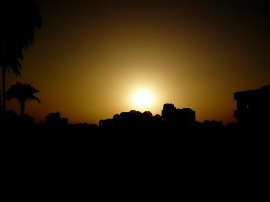 El Nakhil Hotel & Restaurant: Coucher de soleil au El Nakhil