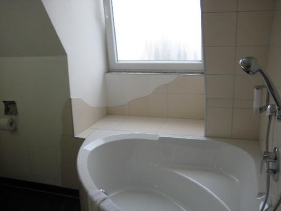 Hotel Müller: fab tub!