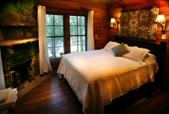 Lake Rabun Hotel & Restaurant: The Andrea Room