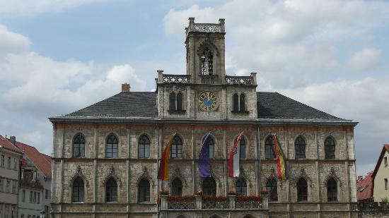 Das Rathaus von Weimar am Markt